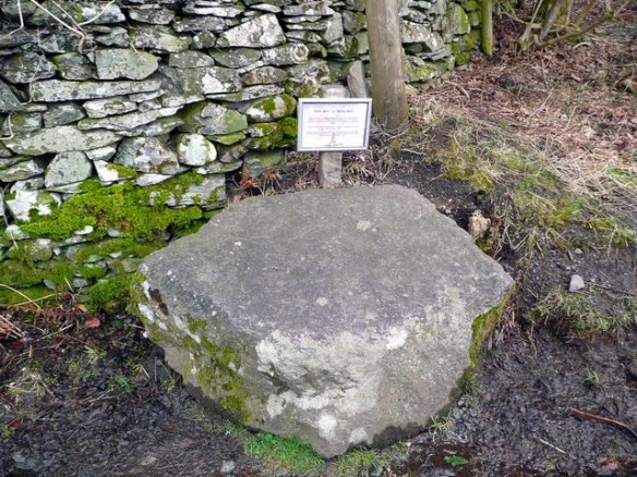 Coffin Stone at Town End This stone is beside a 'corpse road' along which coffins had to be carried from Ambleside for burial at St Oswald's Church, Grasmere. This stone, along with others along the way, was used to support the coffin while the bearers rested.