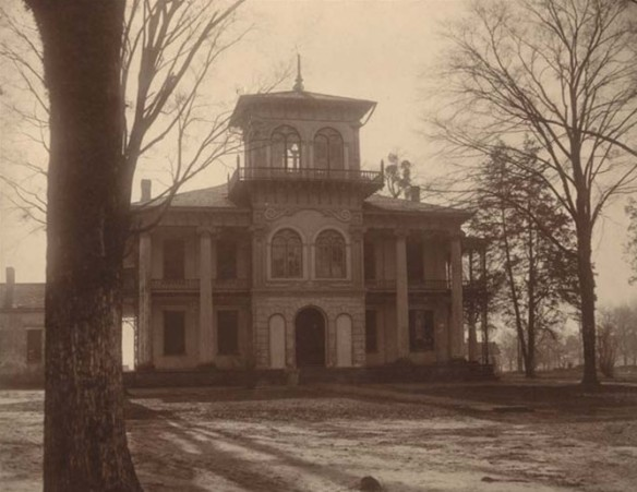 An image of the John Drish House By Alabama Department of Education (Alabama Department of Archives and History) [Public domain], via Wikimedia Commons